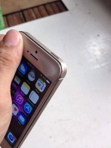 IPhone 5s 64gb Gold image 3