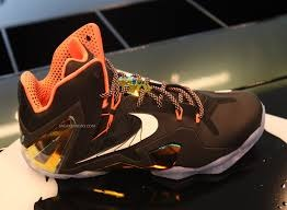 Lebron Series Gold 11 photo