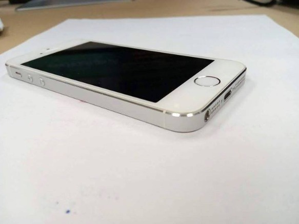 iPhone 5s 32gb Silver complete RUSH photo