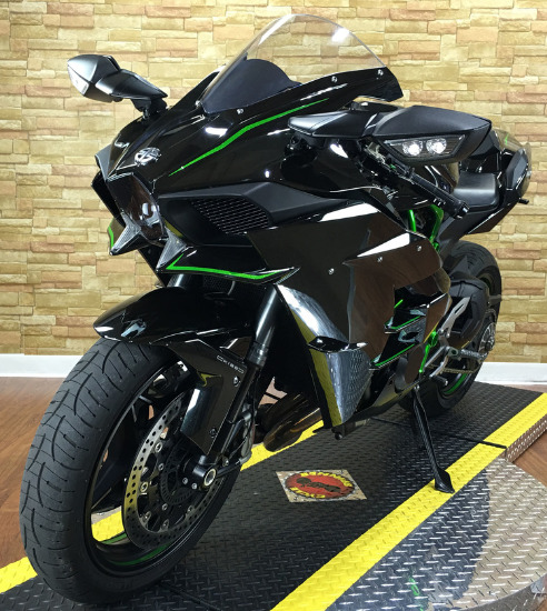 2015 KAWASAKI NINJA H2 in like new condition.;CONTACT ME ON .WHATSAPP VIA : +447447243805 photo