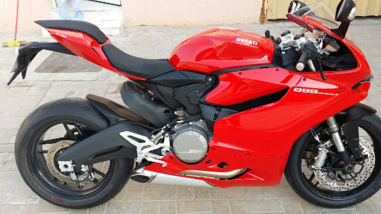 2015 DUCATI PANIGALE 899S in like new condition.;CONTACT ME ON .WHATSAPP VIA : +447447243805 photo