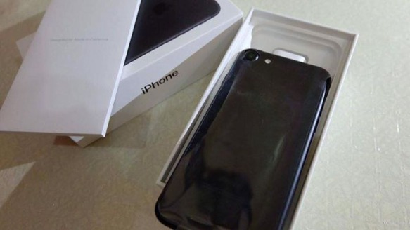 iPhone 7 Matte Black 128gb image 2