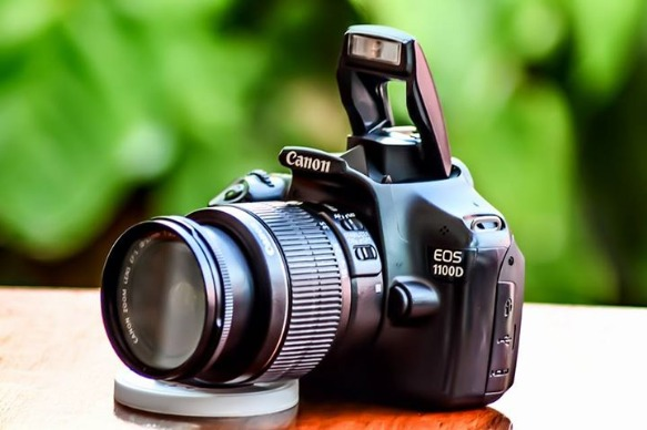 CANON EOS 1100D photo