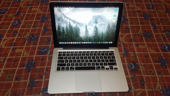 Apple MacBook Pro core i5 2.3Ghz with Paid Apps photo