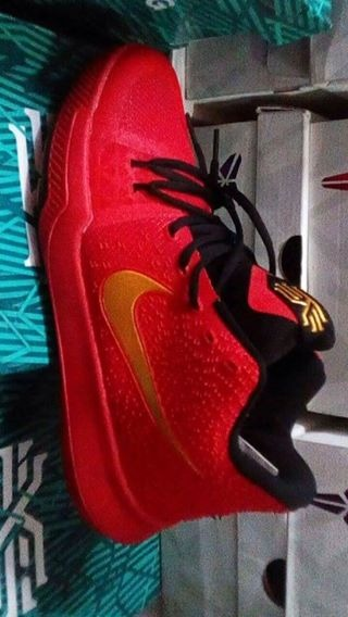 Kyrie 3 redblackgold photo