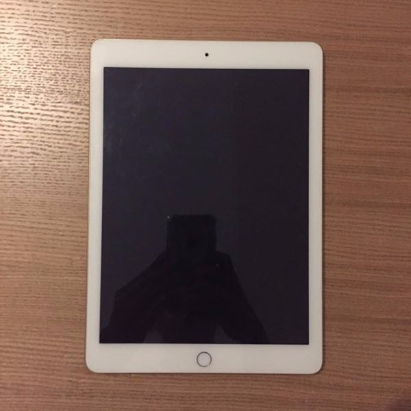 Ipad air 2 (Gold 16gb wifi only) photo