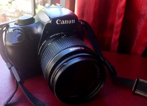 Canon EOS 1100D Rebel T3 photo