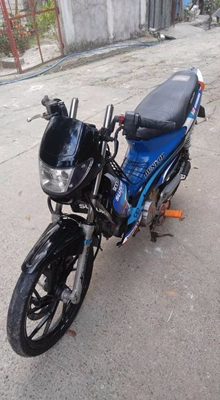 Suzuki raider j photo