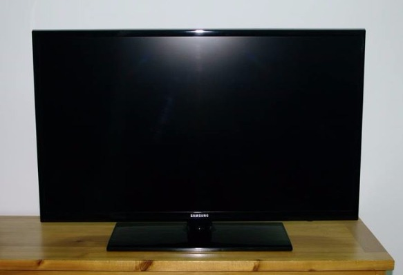 Samsung 32 inches FULL HD LED TV Series 4 (UA32EH4003R) photo