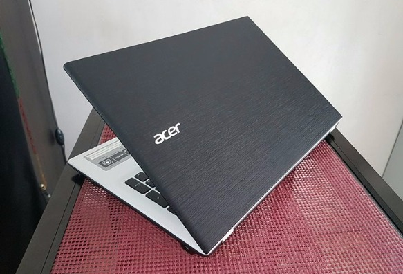 Acer Aspire E5-573 15inch i3 4gen 500gb 4gbram photo