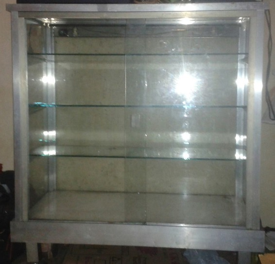 Rush Sale Eskaparate (Glass Cabinet) photo