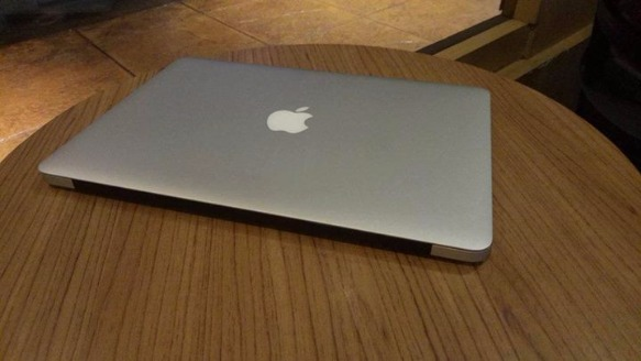Macbook Air (13-inch, Mid 2012) Core i5 photo