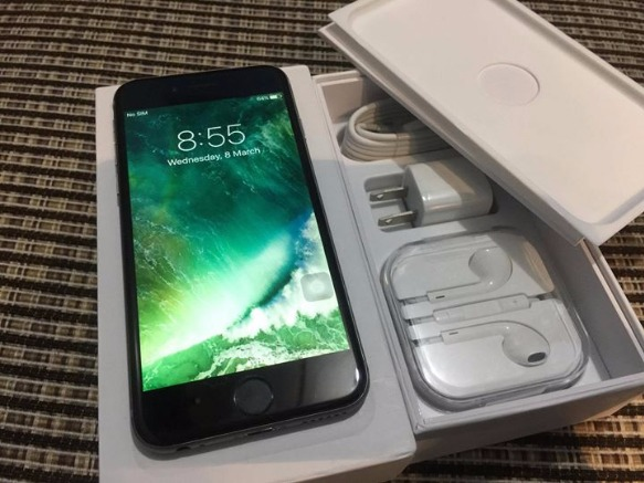 IPhone 6 space gray 128gb Factory unlocked photo