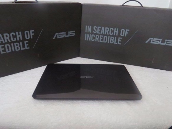 Asus Vivobook x556u FHD(1920X1080) i5 kabylake Nvidia GT940mx 2gb laptop photo
