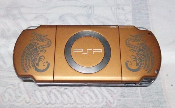 PSP 2000 (Slim) Monster Hunter Edition image 4