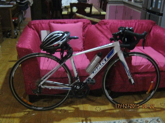 GT GIANT BIKE aloy 21 inch.imported very nice colour photo