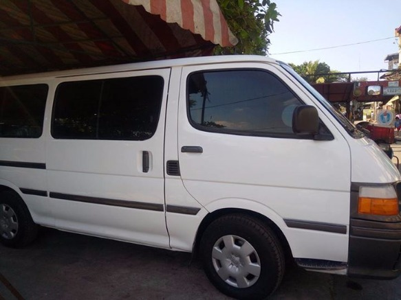 Toyota Hi Ace Commuter Van 18 seater photo