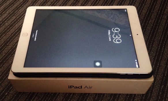 iPad Air 16GB (white) photo
