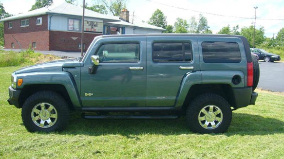 2007 HUMMER H3 Luxury photo