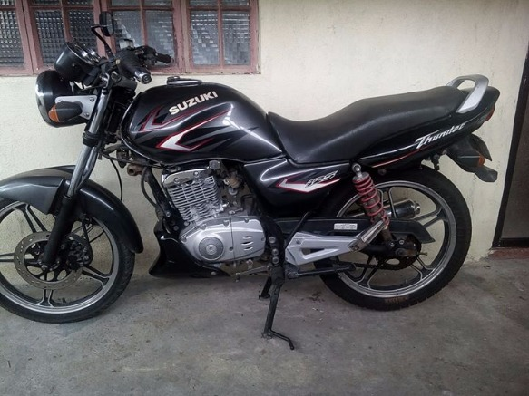 SUZUKI THUNDER 125 photo