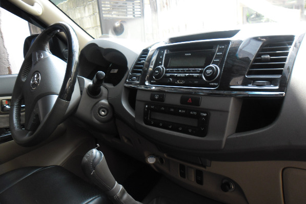 Toyota Fortuner G 2012 Diesel Manual photo