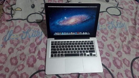 Macbook Pro 2.4 13.3 inch photo