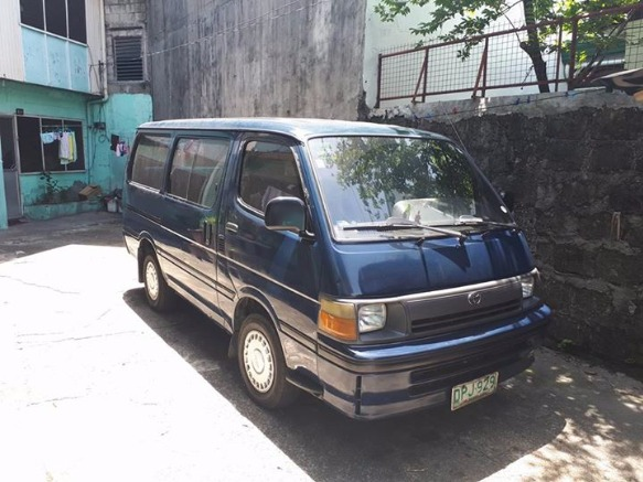 Toyota hi ace photo