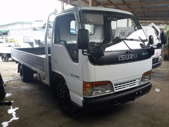Isuzu Elf 4HF1 14 Fft. photo