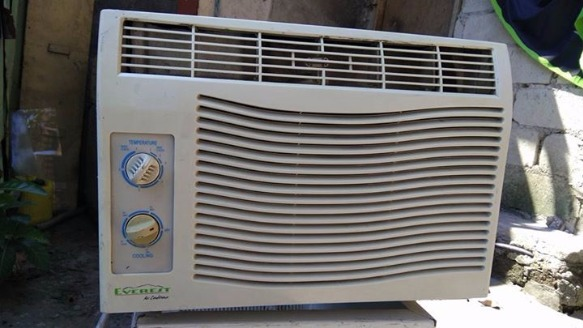 Aircon everest .5hp photo