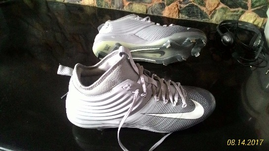 Nike football shoes size 11.5 image 5