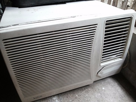 kolin 2.0HP Window Type Aircon photo