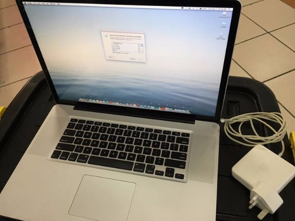 macbook pro core i5 17 inch photo