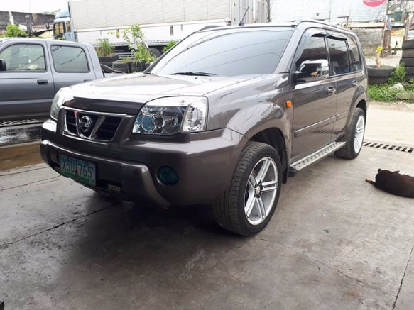 2004 nissan Xtrail 200X photo