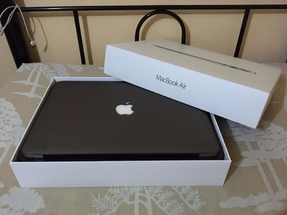 MacBook Air 13-inch i5 2015 Complete photo