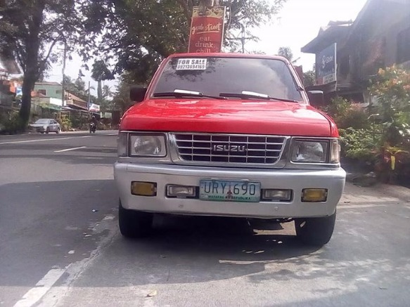 Isuzu hilander photo