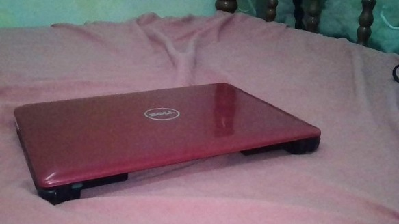Dell Inspiron Mini 10 netbook with free zeus mouse photo