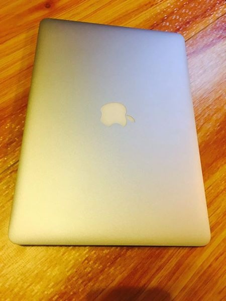 Macbook air 13inc (early 2014) photo