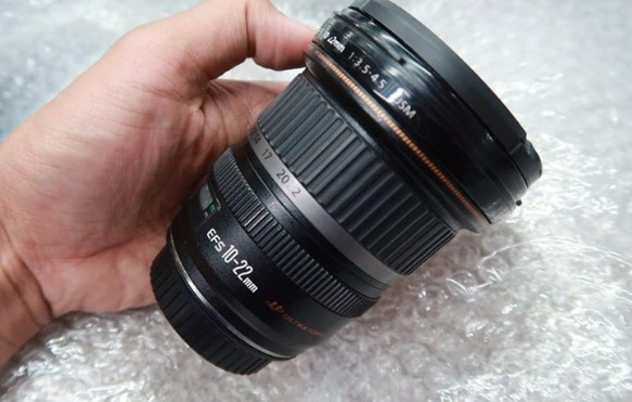 Canon 10-22mm USM UWA Ultra Wide Angle Lens photo
