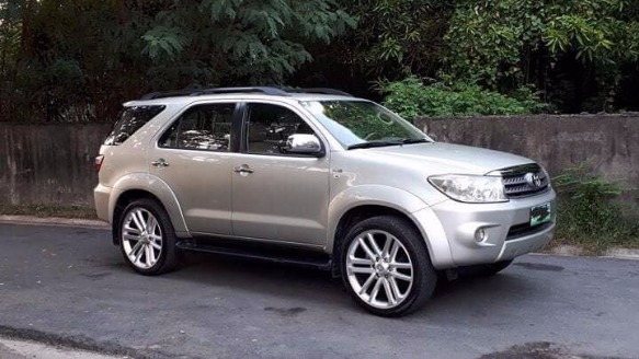 toyota fortuner G diesel 2006 photo