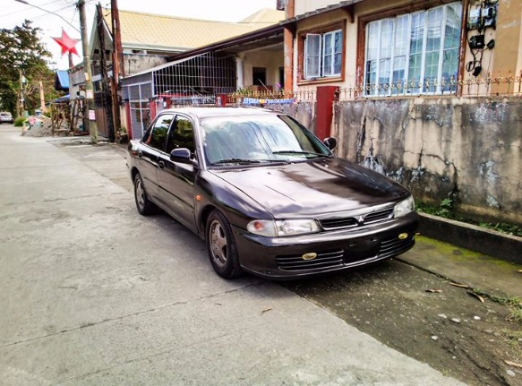 95 Model Mitsubishi Lancer Glxi photo