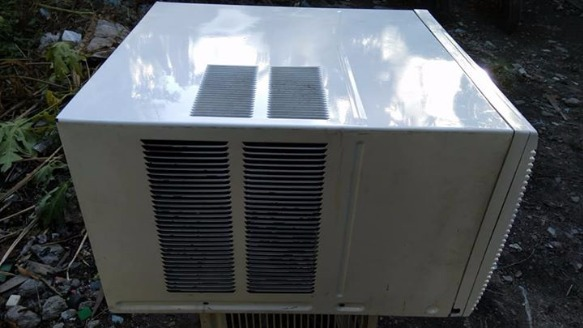 Aircon carrier 1.2hp with timer and fan plug image 2