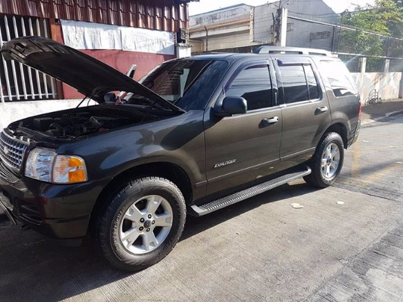 2005 ford explorer XLT photo