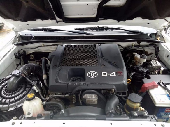 Toyota Hilux 2013 Model Automatic Diesel 4X4 photo