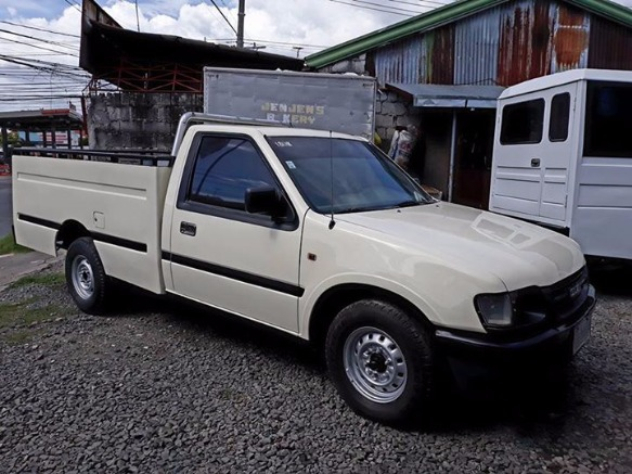 2001 Isuzu Pick up High side photo