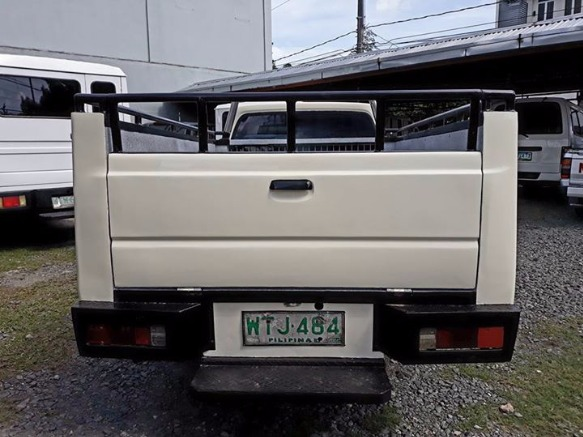2001 Isuzu Pick up High side image 2