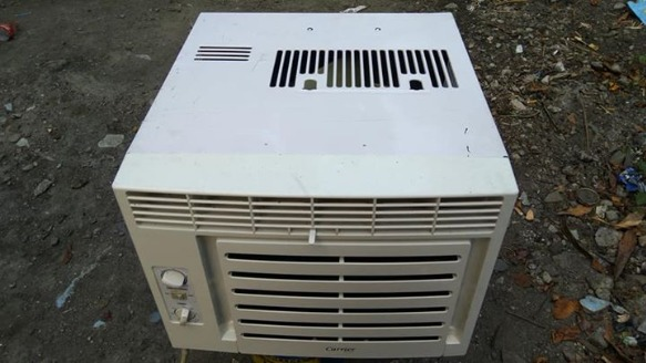 Aircon carrier .75hp with timer and fan plug image 3