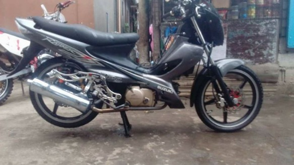 Suzuki raider J 2010 model photo