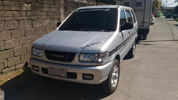 Isuzu Crosswind XT 2003 photo