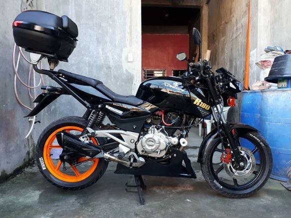 Kawasaki Bajaj Rouser 180