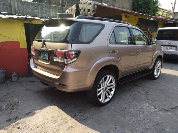 2006 Toyota Fortuner image 2